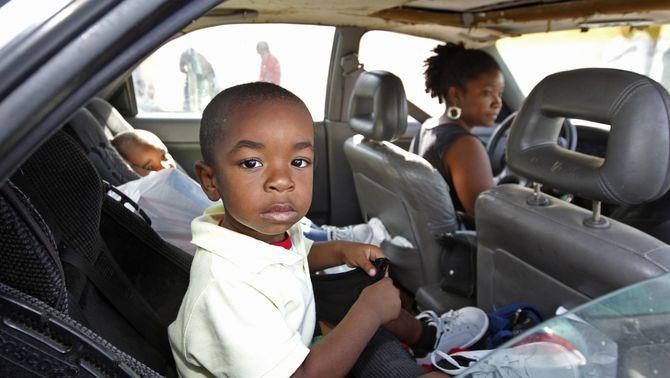 El fiscal podrà retirar la tutela als pares que no portin cadireta al cotxe