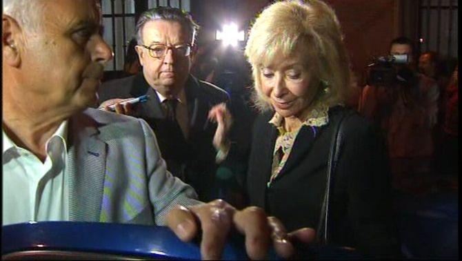 Herror de Miñon i María Teresa Fernández de la Vega a la sortida de la reunió del Consell d'Estat.