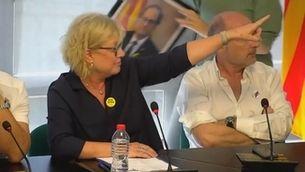 Tensió al ple de Santa Coloma de Farners pel pacte entre JxCat i el PSC