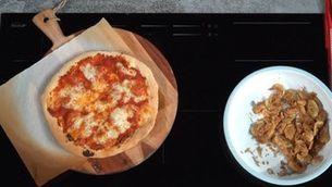 Pizza de carxofes i romesco