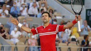 Djokovic s'engrandeix aixecant dos sets a Tsitsipas i guanya Roland Garros