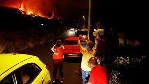 EN DIRECTE | Erupció a La Palma: vuit boques de lava, 5.000 evacuats i cases cremades