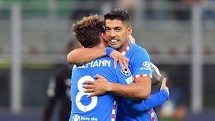 Griezmann i Luis Suárez fan ressuscitar l'Atlètic a Milà (1-2)