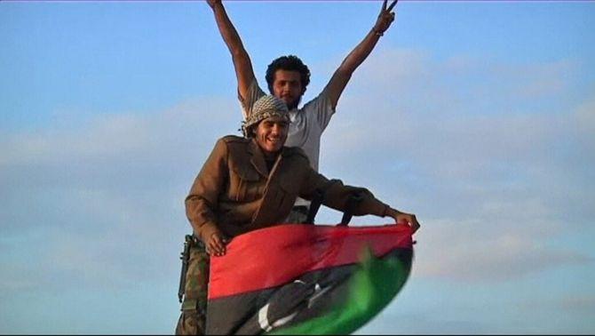Els rebels han celebrat la caiguda de Bani Walid.