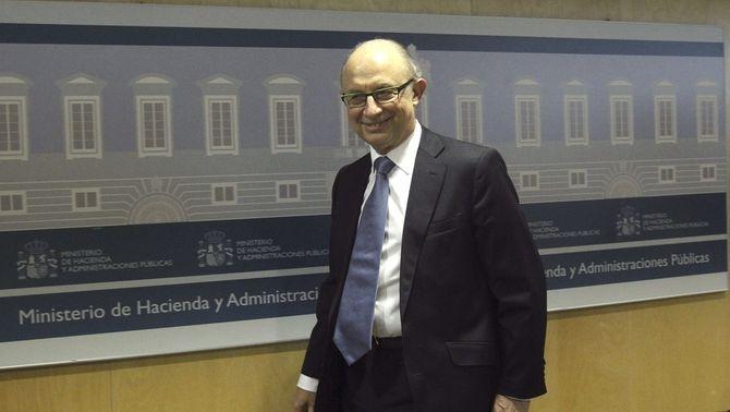 El ministre d'Hisenda, Cristóbal Montoro, a l'entrada del CPFF. (Foto: EFE)