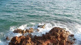 El mar català té el doble de concentració de microplàstics que el Mediterrani peninsular