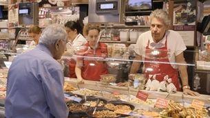 Gent dels mercats Central de Sabadell, de l'Abaceria de Barcelona i de la plaça de Cuba de Mataró
