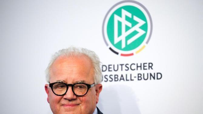 Dimiteix el president de la Federació Alemanya després de fer una comparació amb un jutge nazi