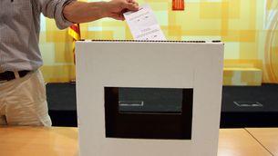 El model d'urna del referèndum del 9-N. (Foto: ACN)