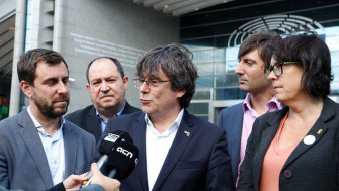 Quatre vicepresidents de l'Eurocambra demanen explicacions pel veto a Puigdemont