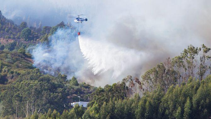 9.000 persones evacuades en l'incendi de Gran Canària, que avança sense control
