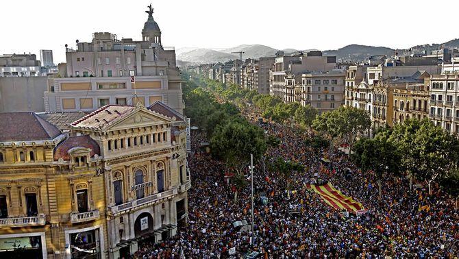 Més d'un milió de persones fan història en contra de la sentència del Constitucional sobre l'Estatut