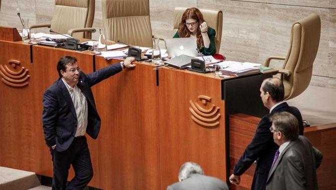 PSOE, PP i Cs voten a Extremadura un nou 155 a Catalunya i el control de TV3