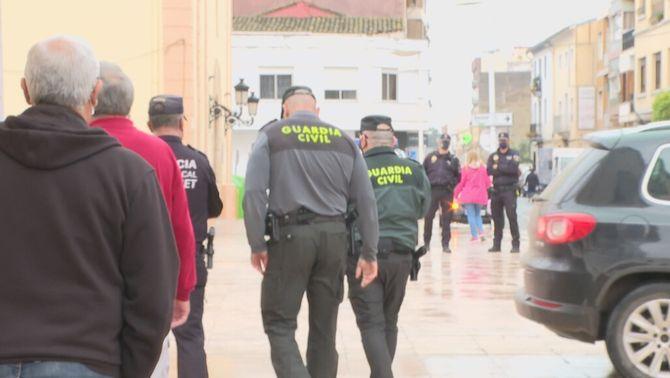 La Guàrdia Civil confon un rodatge amb un atracament a l'Ajuntament d'Alginet