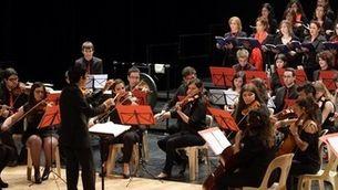 La coral i l'orquestra de la Universitat Rovira i Virgili fan anys estrenant una obra de Baldrís