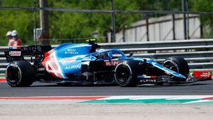 Victòria històrica d'Esteban Ocon amb Carlos Sainz tercer i Alonso cinquè