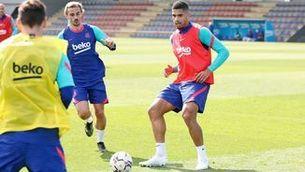 Ronald Araujo es reincorpora als entrenaments del Barça