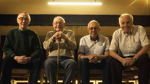 Quatre vells obrers escocesos reviuen el boicot als avions de Pinochet