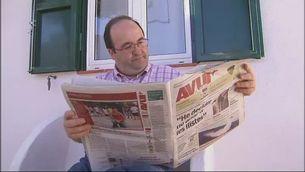 """Iceta llegint l'entrevista de Castells a l'""""Avui"""""""