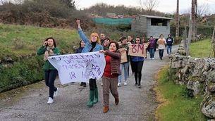 8M, primera manifestación a la història de la vila de Loureiro