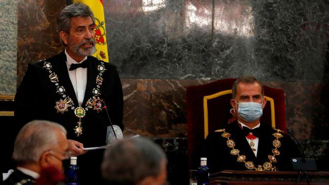 Jutges i fiscals pengen fotos del rei a les xarxes per denunciar que no vingui a Barcelona