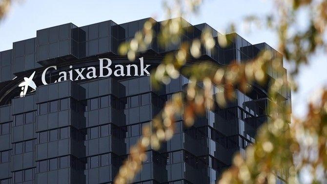 L'edifici corporatiu de CaixaBank a Barcelona