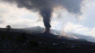 EN DIRECTE   S'obre un nou focus al volcà de La Palma i es trenca una part del con