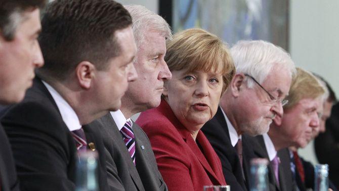 Alemanya paralitza l'activitat a les centrals nuclears més antigues del país