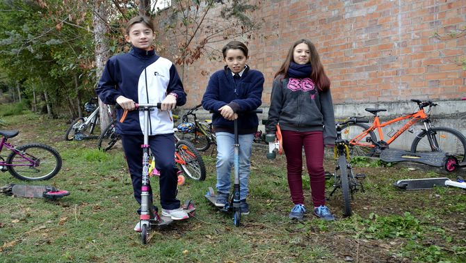 Les escoles de Tremp celebren la Setmana de la Mobilitat Sostenible anant a peu, amb bicicleta o patinet als centres