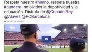 La Policia Nacional demana en un tuit respecte a l'himne a la final de Copa