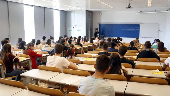 Les proves de la selectivitat es mantenen a Lleida tot i el confinament del Segrià
