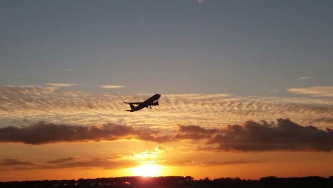 L'aviació ha reduït més d'un 50% les emissions per passatger en 30 anys