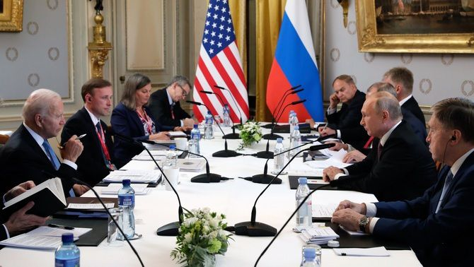 Les delegacions dels Estats Units i Rússia, en la cimera entre Biden i Putin, aquest dimecres a Suïssa