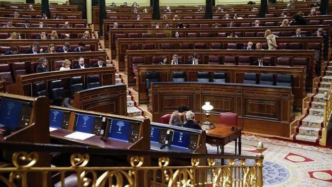 Rajoy i els seus ministres deixen buits els seus escons en considerar que no s'han de sotmetre al control del Congrés