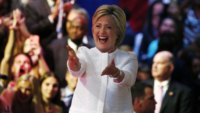 Clinton, la primera dona candidata amb possibilitats a la presidència dels EUA després d'haver guanyat la majoria de les primàries