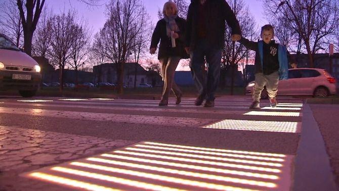 Proven a Vic un pas de vianants interactiu i il·luminat per reduir atropellaments