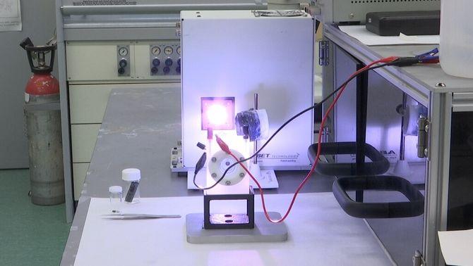 Una fulla artificial per aconseguir combustibles nets a partir d'aigua i CO2