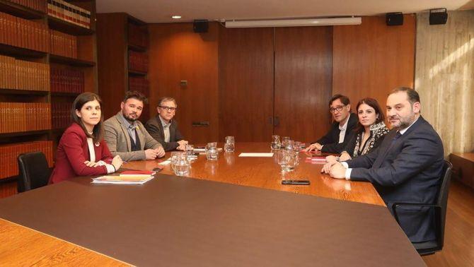 ERC i PSOE, reunits a Barcelona en la tercera trobada formal per a la investidura