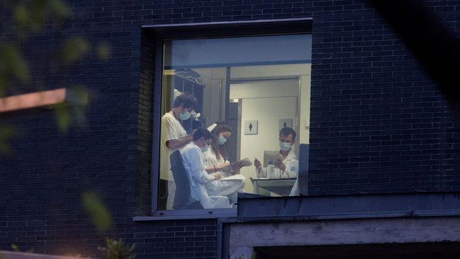 Un grup de professionals sanitaris, aquest dimarts a l'Hospital de Sant Pau