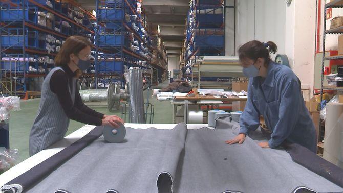 Texans nous de Km0 reciclant roba usada