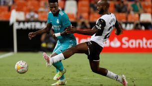 Remuntada contra el València i liderat per al Madrid (1-2)