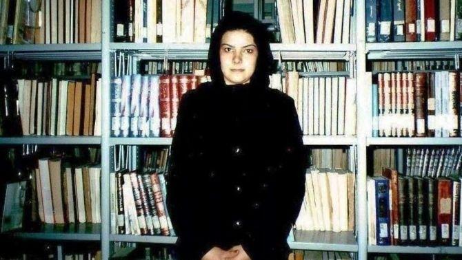 Nadia Anjuman, poeta