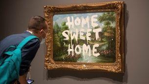 Vista de l'obra 'Home sweet home' de Banksy
