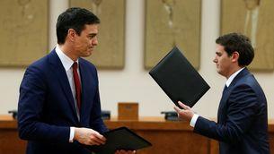 PSOE i C's modifiquen el text de l'acord, mentre PP i Podem li neguen cap mena de futur