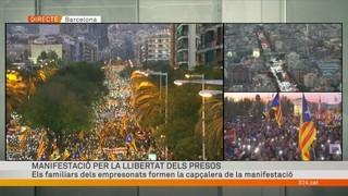 """Imatge de:Milers de persones participen en la marxa """"per la llibertat dels presos polítics"""""""