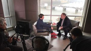 La gravació de l'entrevista des del Park Plaza London Riverbank.