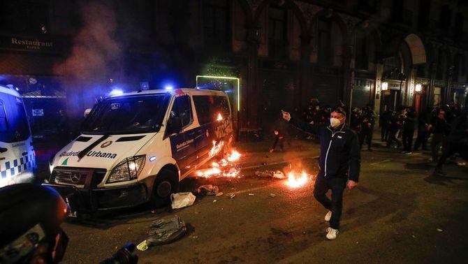 """Condemnes a """"la violència desbocada"""" posterior a la manifestació a Barcelona"""
