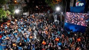 Imatge de la celebració dels populars davant la seu central del PP a Madrid