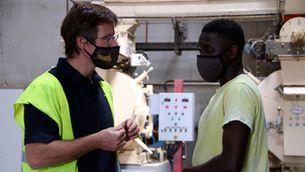 La Catalunya Central combat el despoblament rural i la falta de mà d'obra donant feina a persones migrades