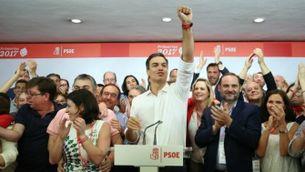 Pedro Sánchez celebra la victòria a les primàries del PSOE
